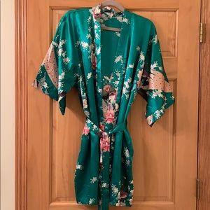 Singapore Silk robe/kimono. Beautiful!